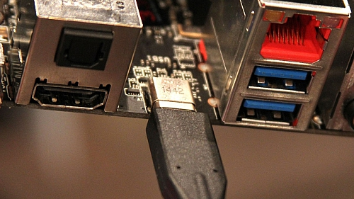 Oboustranné USB 3.1 type C na desce MSI Z97A Gaming 6 (Zdroj: PC Perspective)