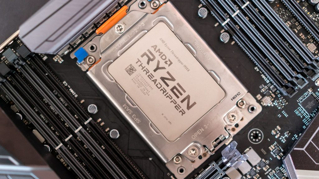 Ryzen Threadripper v socketu TR4 (foto: Ars Technica)