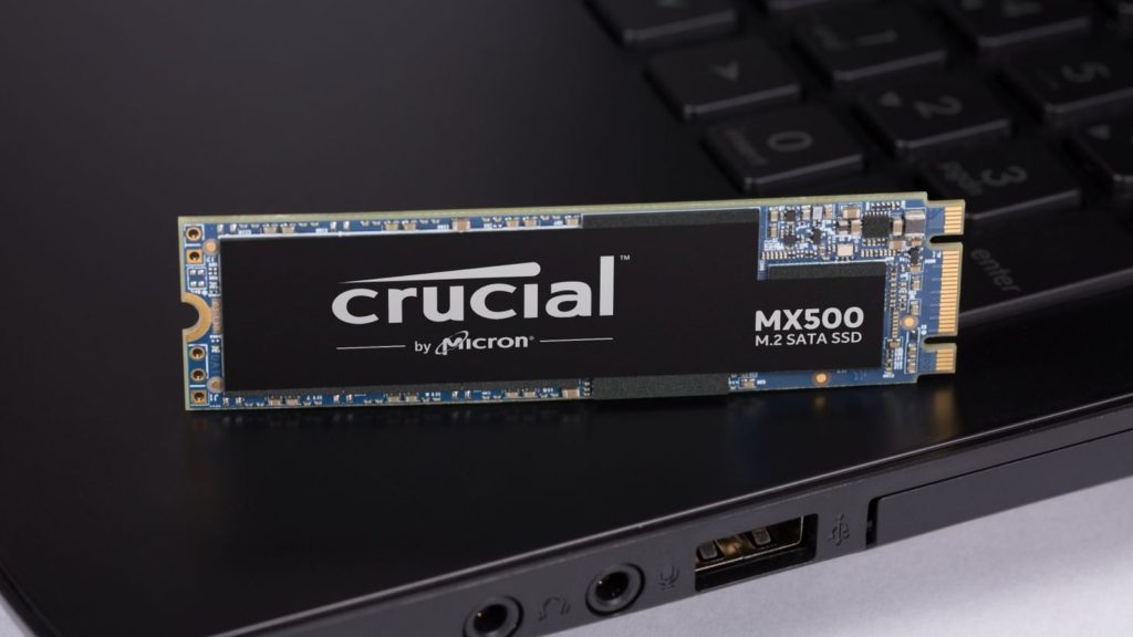 crucial-mx500-ssd-m2-modul-notebook-ilustrace