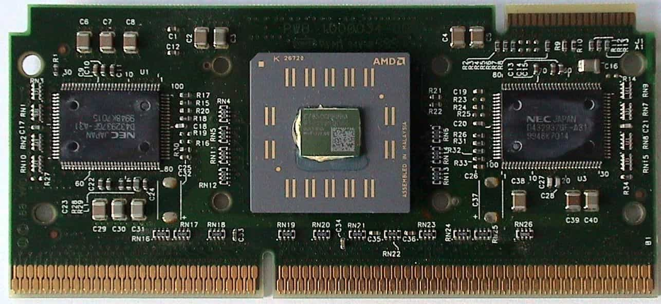 AMD Athlon na 650 MHz pro Slot A Wikimedia Commons