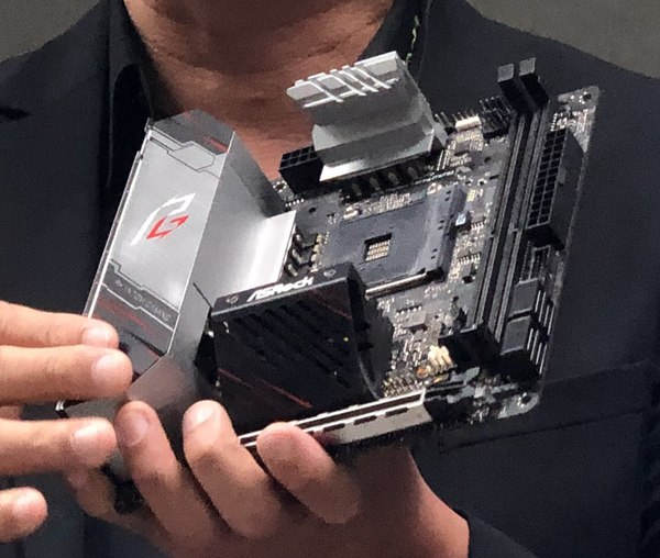ASRock X570 Phantom Gaming ITX TB3 Inpact Hardware