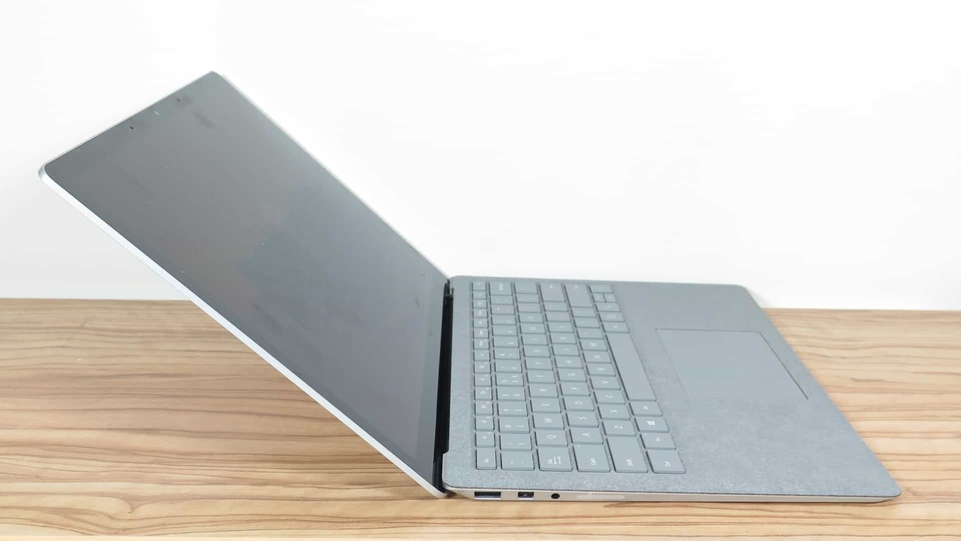 Microsoft Surface Laptop 2 3