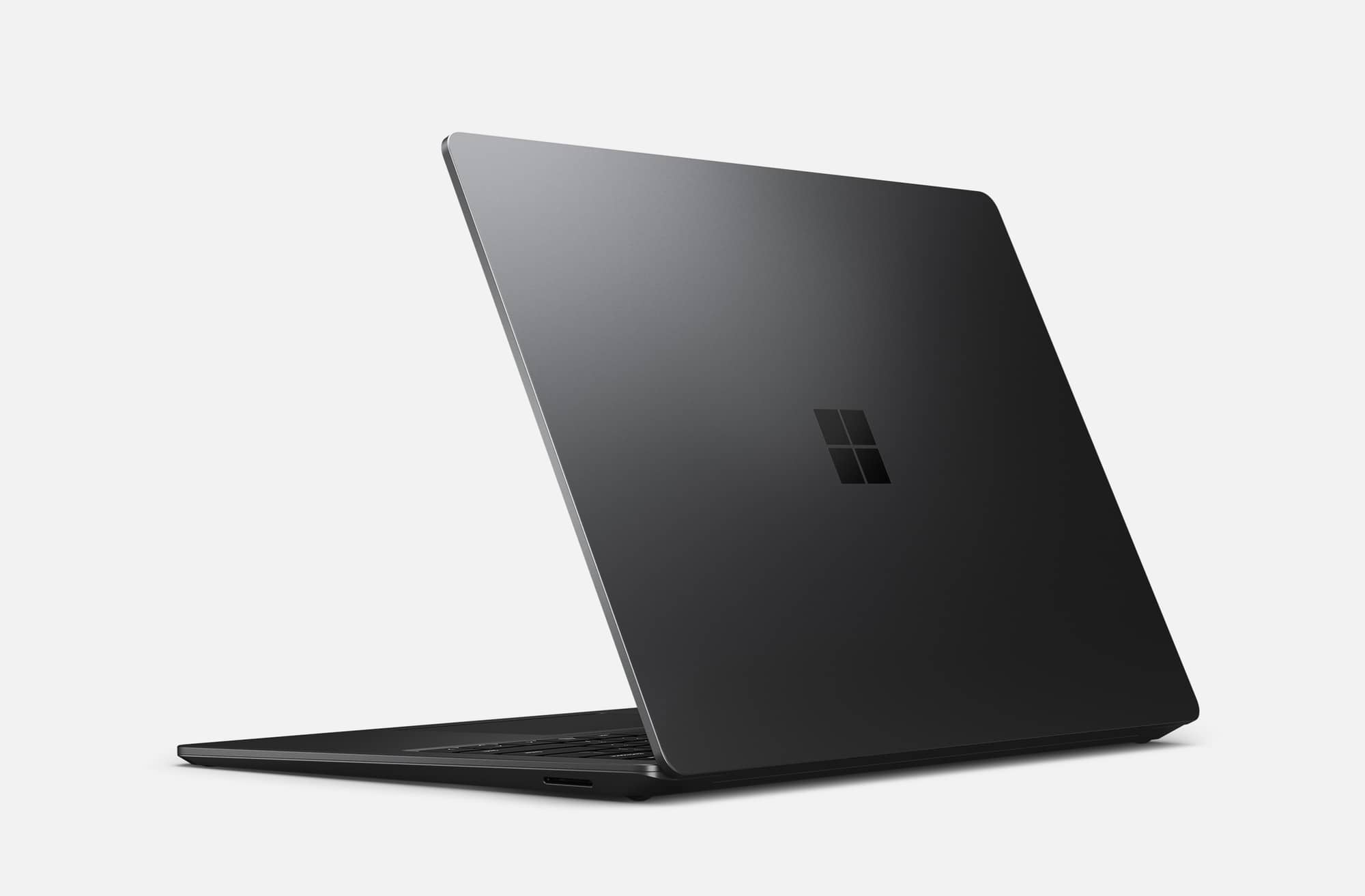 microsoft surface laptop 3 press 06