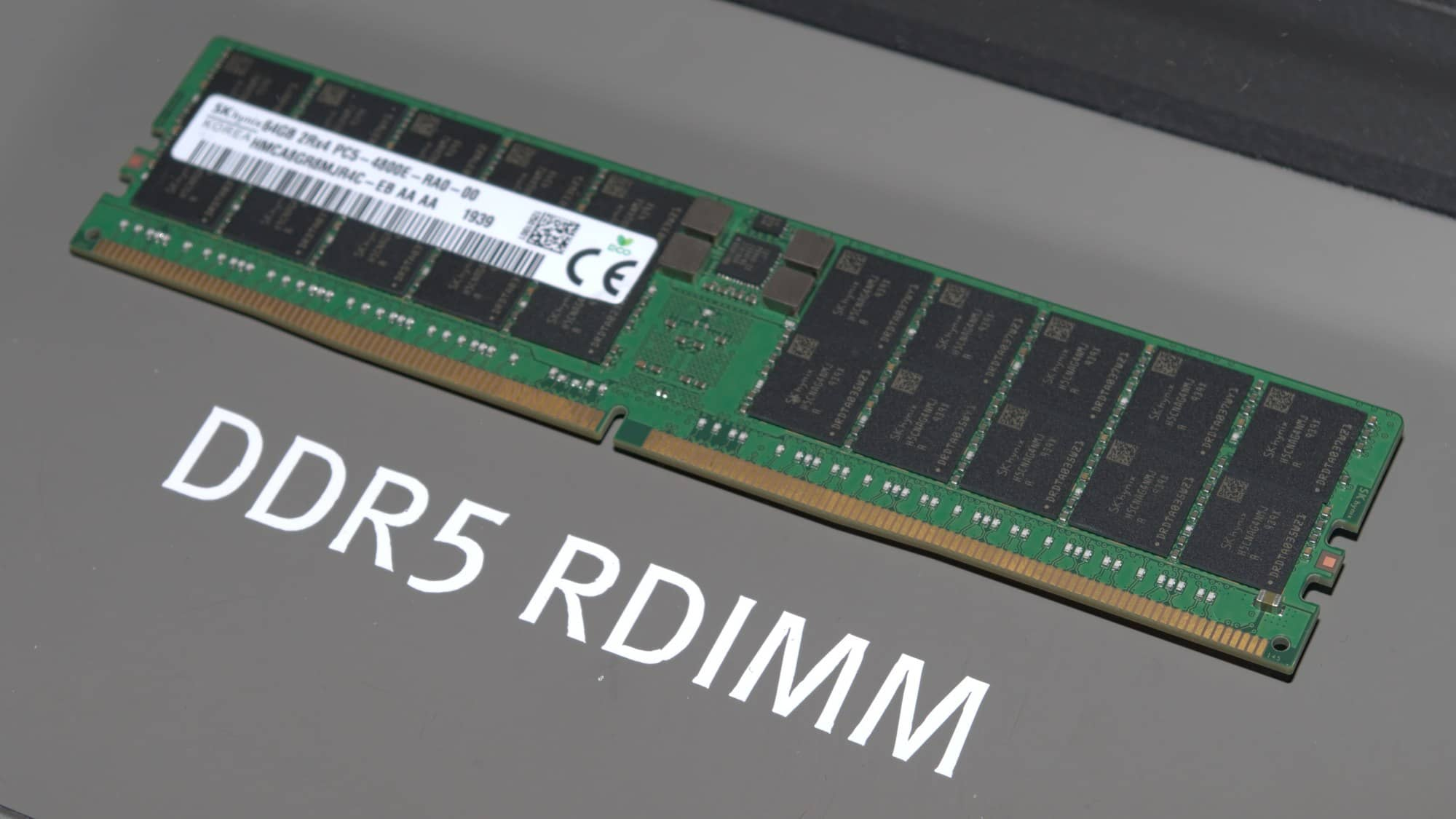 Registrovany modul DDR5 na CES 2020 foto AnandTech