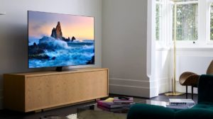 Samsung TV QLED Q80T 2020 Q80T Lifestyle Gallery Expand 05