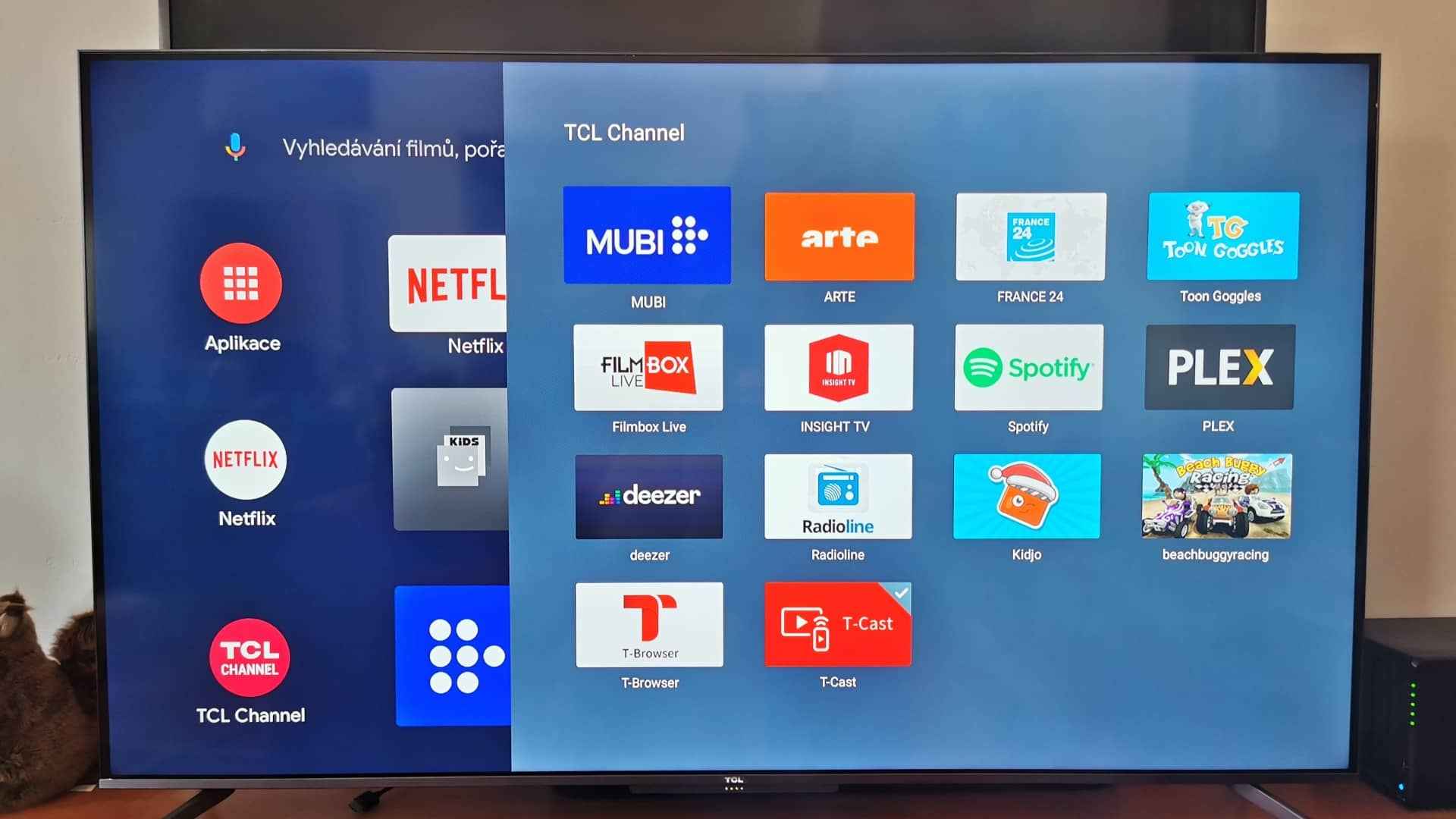 TCL C715 obr11 Android